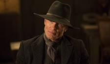 man in Black hat Ed Harris Westworld Episode 5