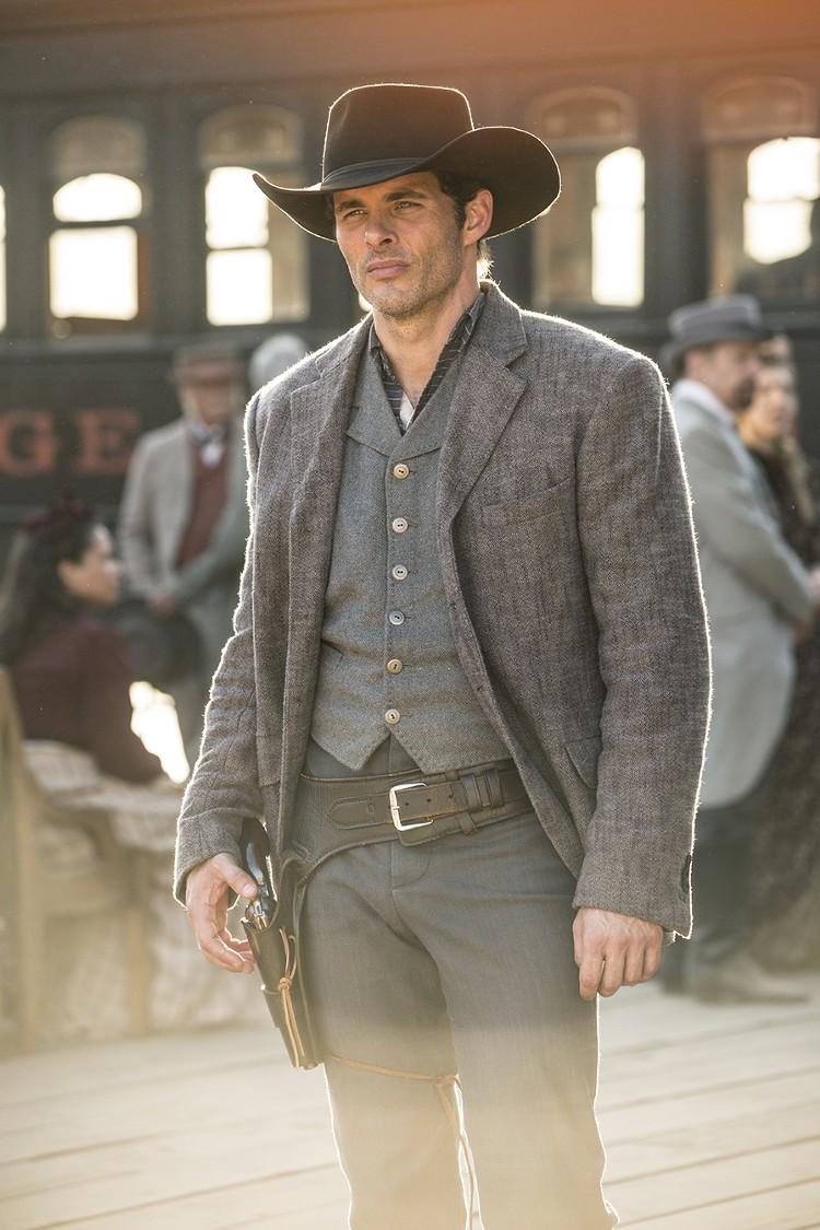 Teddy Flood Westworld Episode 1 The Original