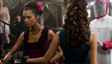 Maeve saloon Westworld episode 7 Trompe L'Oeil