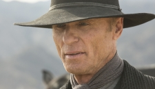 Man in Black Ed Harris Westworld episode 6 The Adversary