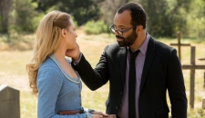 Evan Rachel Wood as Dolores Jeffrey Wright as Arnold Westworld The Bicameral Mind episode 110