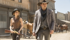 Teddy street Westworld episode 3 The Stray