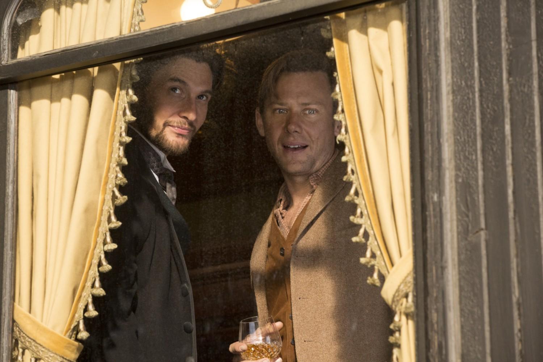 Logan William on the train Chestnut Episode 2 Westworld