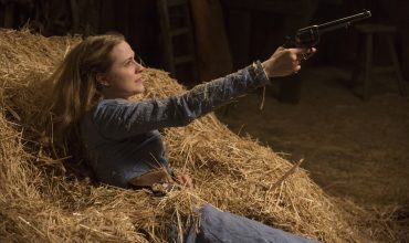 dolores-gun-westworld-episode-3-the-stray