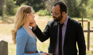 evan-rachel-wood-as-dolores-jeffrey-wright-as-arnold-westworld-the-bicameral-mind-episode-110
