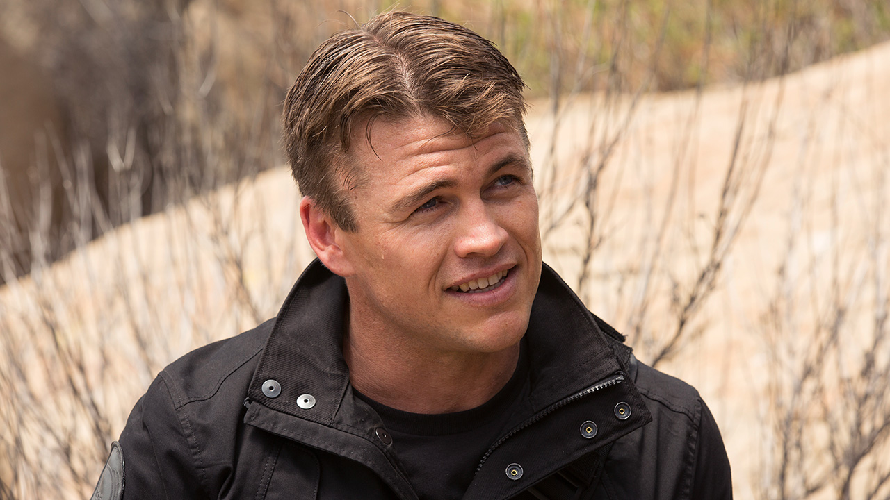 luke-hemsworth-as-stubbs-in-westworld