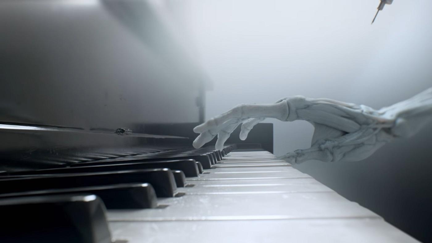 Ramin-Djawadi-skeletal-hands-Westworld-opening-credits