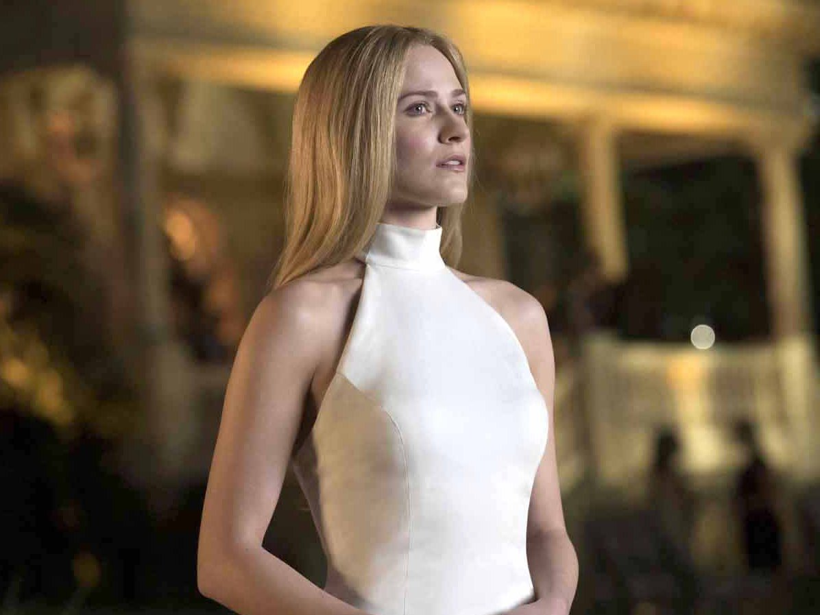 dolores-white-dress-westworld-season-2