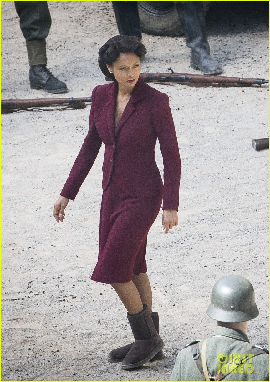 thandie-newton-westworld-set-photos-01